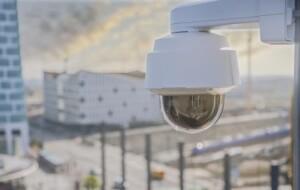 Robuuste PTZ-camera Axis met UHD 4K-resolutie en 20x optische zoom